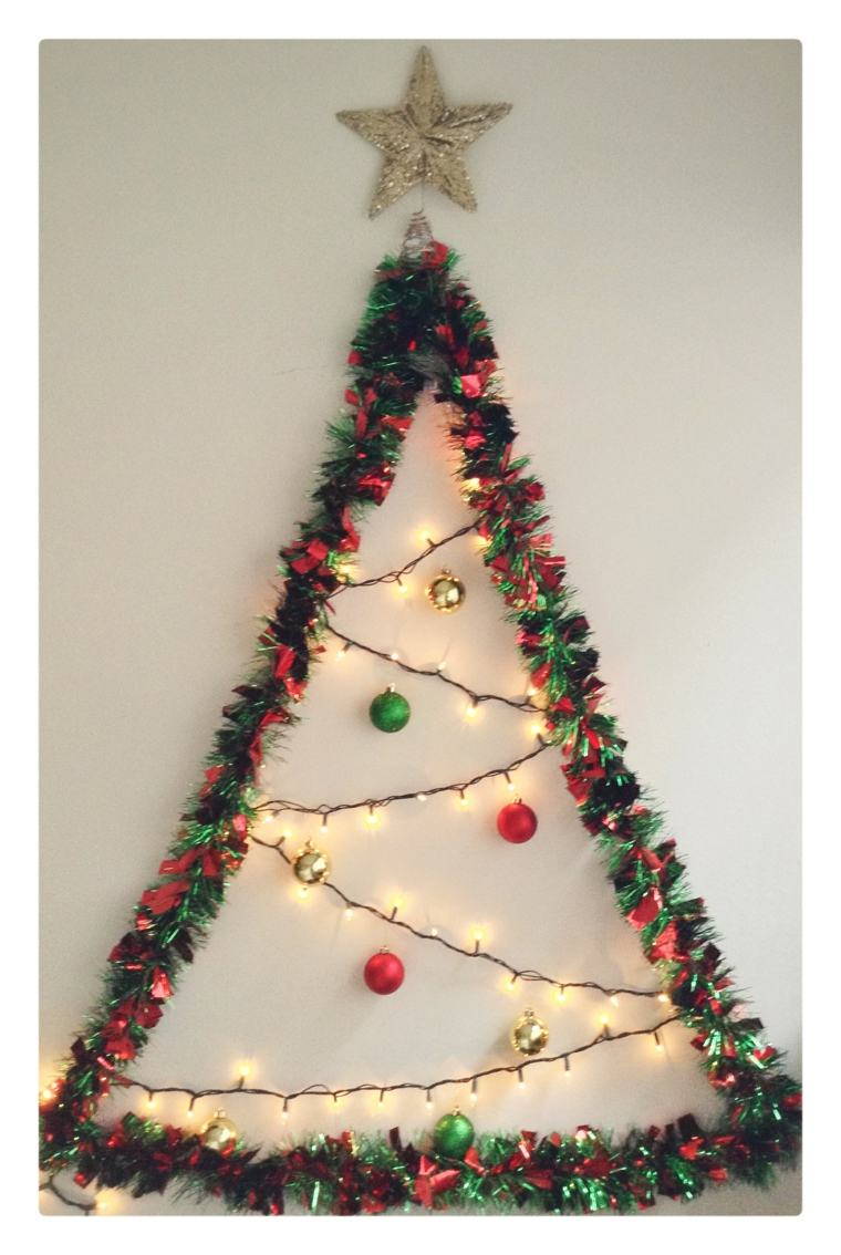 Manualidades para navidad cincuenta ideas originales for Adornos colgar pared