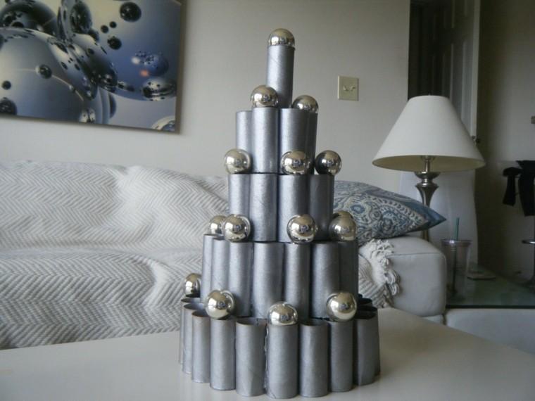 arbol navidad cilindros bolas plateadas