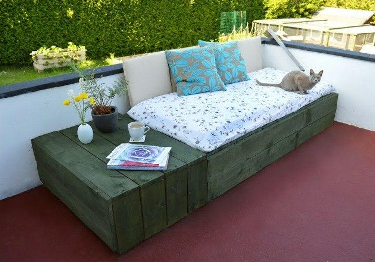 asientos terraza pallets madera verdes