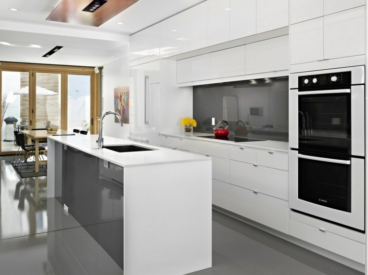 atractiva cocina detalles cabinetes horno