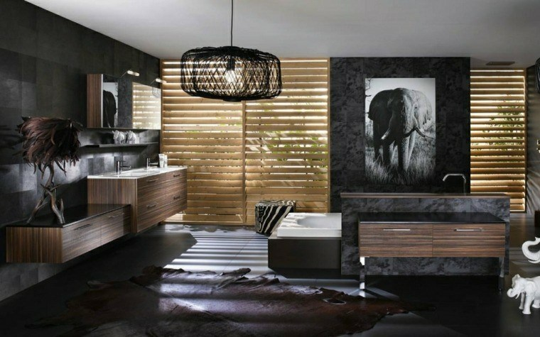 baño color negro cuadro elefante