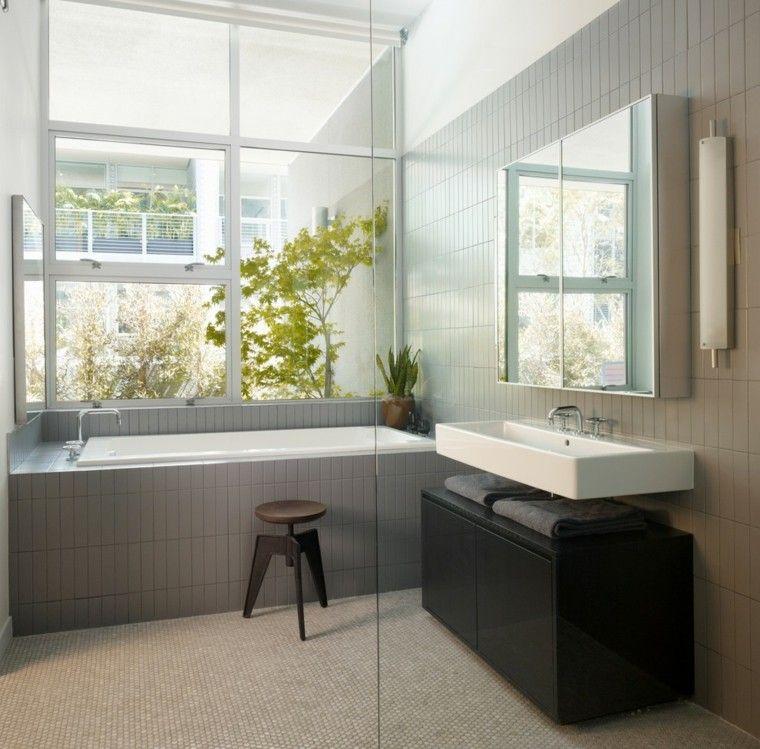 baño moderno ducha bañera jardin
