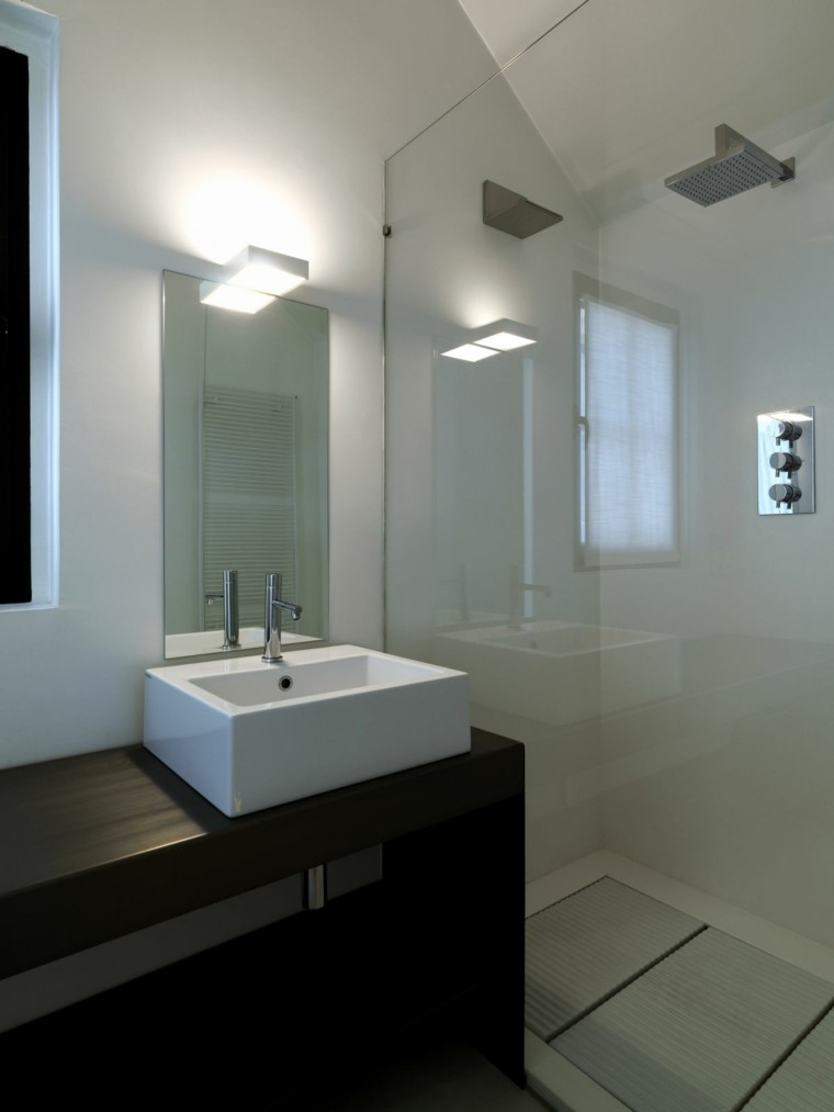 Ba os modernos con ducha cincuenta ideas estupendas for Minimalist small bathroom design