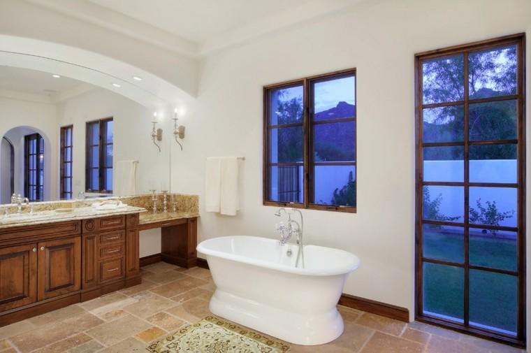 baño estilo rustico bañera blanca