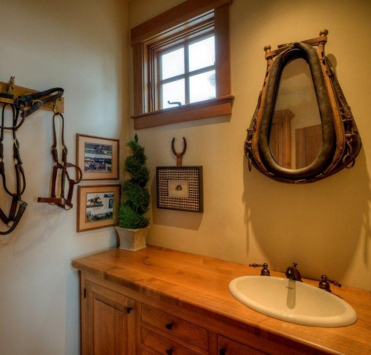 baño rustico original espejo piel