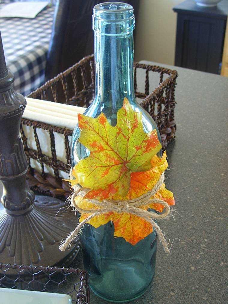 botella vidrio vieja hoja seca