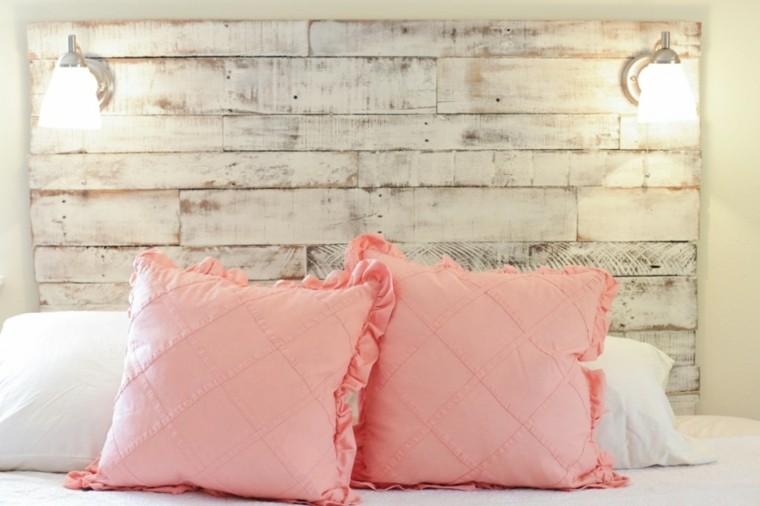cabecero pintado blanco cojines rosa