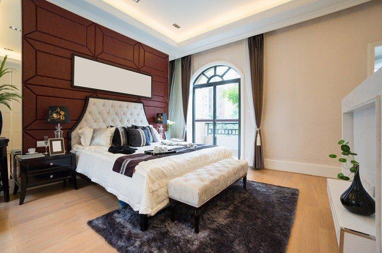 cabecero cama dormitorio moderno espejo pared ideas