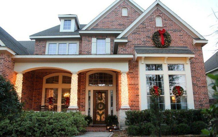 adornos de navidad casa ladrillos decorado elegante