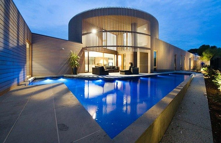 casa moderna sofas sillones negros piscina ideas