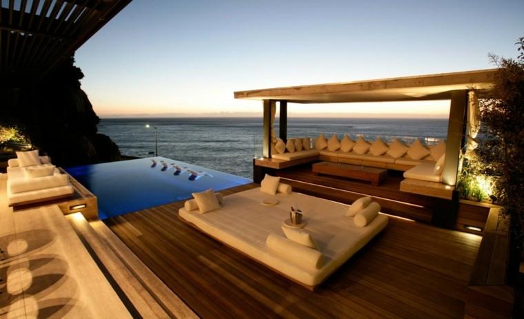 Ideas para tu jard n terraza o piscina for Casas con piscina y jardin de lujo