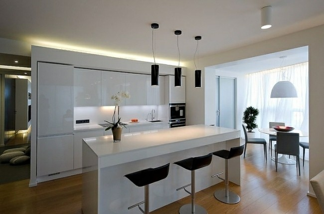 cocina blanca luces led integradas