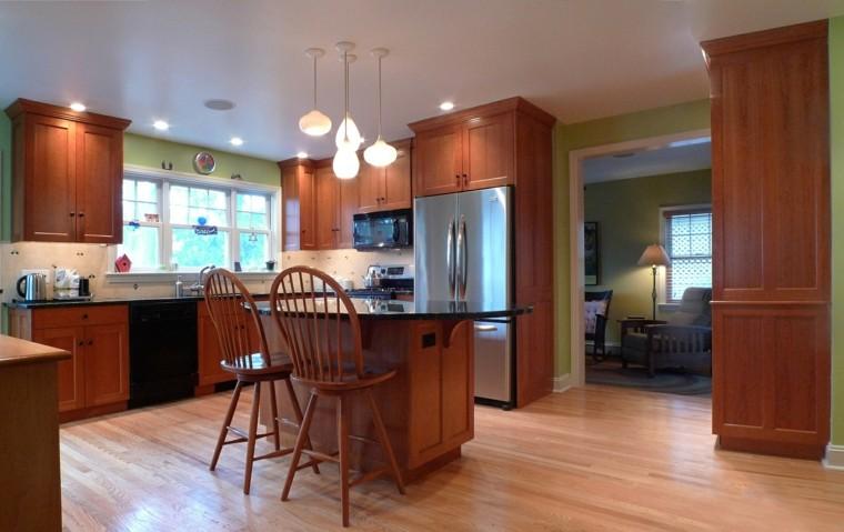 Proyecto cocina 50 cocinas cl sicas y modernas a la vez for Sillas de madera modernas para cocina