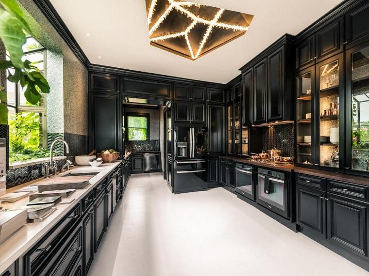 cocina moderna negra amplia suelo blanco ideas