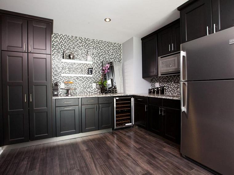 cocina moderna negra pared mosaico espejo ideas