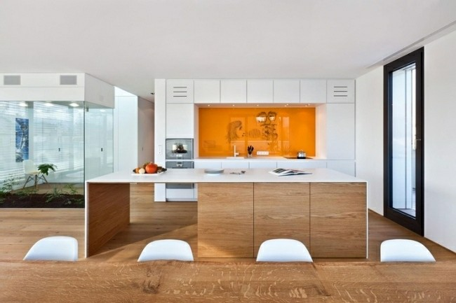 cocina moderna pared color naranja