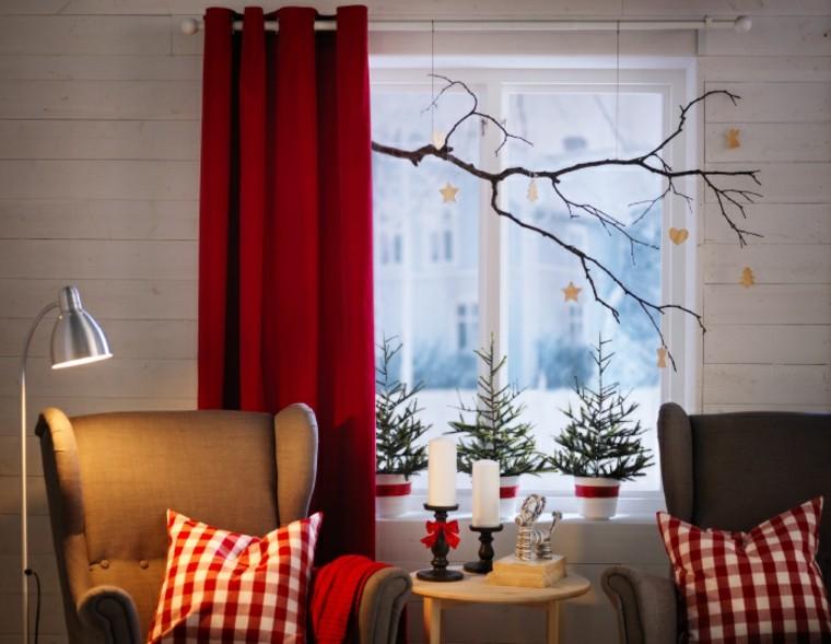 cojines cuadros rojo lampara cortinas