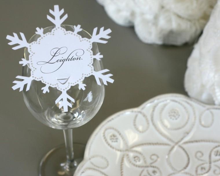 copa vidrio letras gris mesa