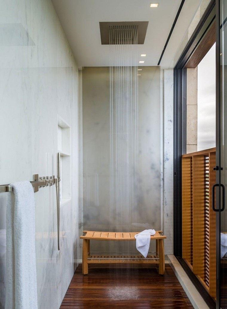 Ideas Para Decorar El Techo Del Baño:Escalera de bambú para las toallas en el baño moderno