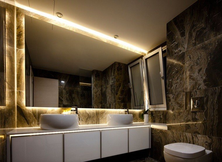 Iluminacion Baño Led:decoracion de baños iluminacion LED losas negras marmol ideas