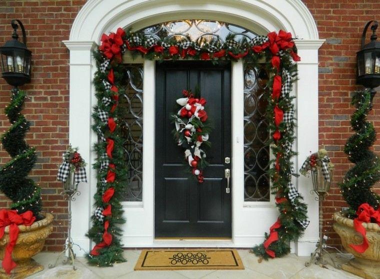 decoracion navidad estilo americano puerta entrada decorada ideas