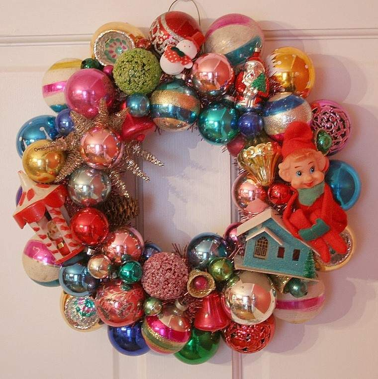 decoracion vintage navidad guirnalda bolas puerta ideas