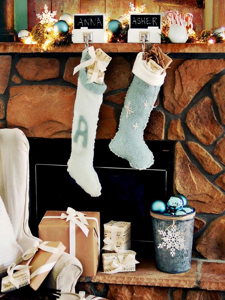decorar habitacion navidad calcetines bolas chimenea ideas