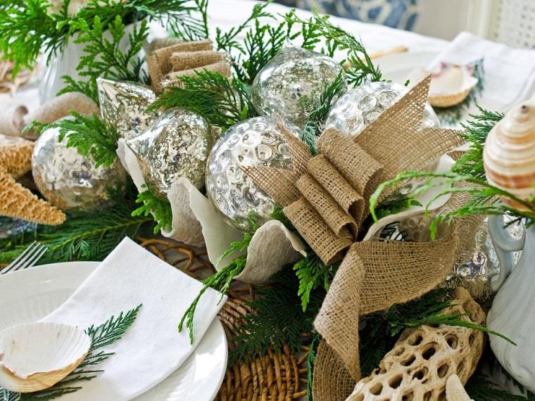 decorar habitacion navidad centro mesa bolas plata ideas
