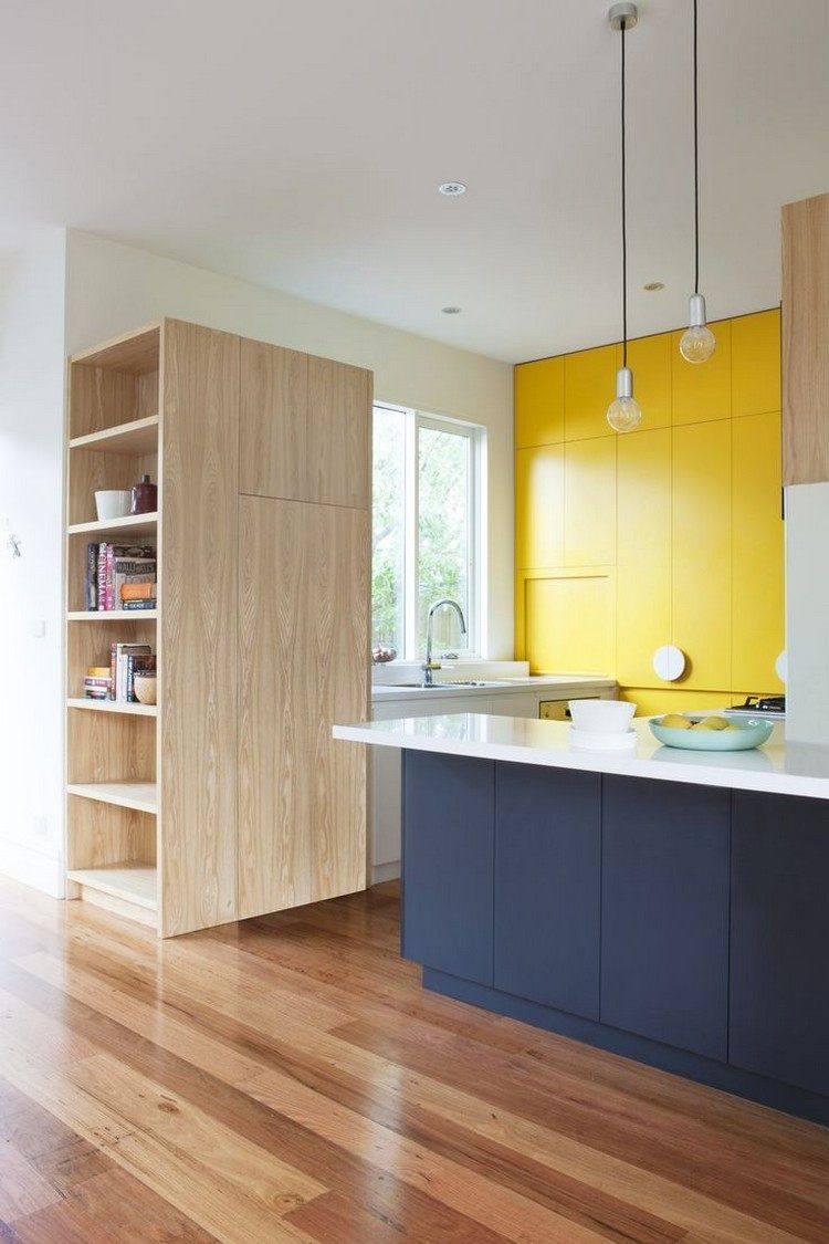 deseño color azul marino amarillo