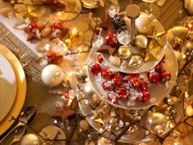 diseño adornos navideños dorado colorido rojo