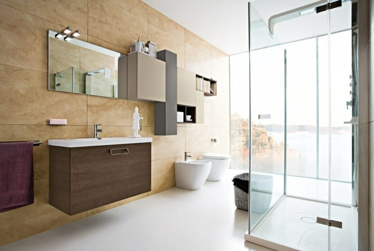 diseño cuarto baño mucha luz