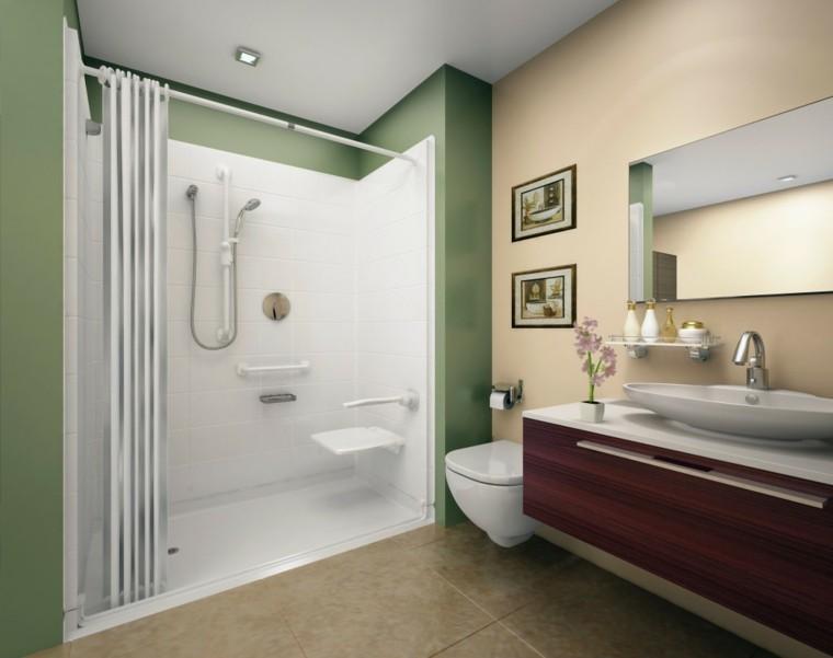 diseño baños modernos con ducha pared verde