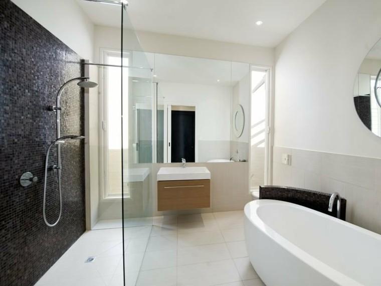 diseño baño revestimiento mosaico negro