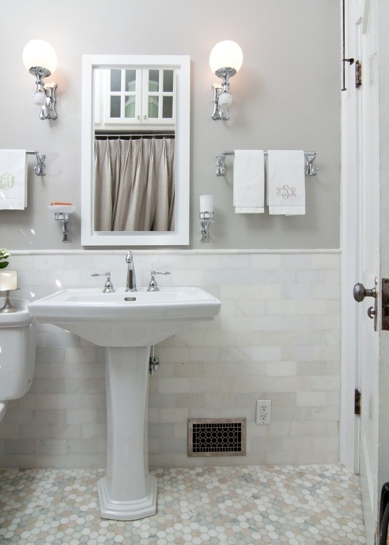Decorar baños con muebles de baño y accesorios vintage