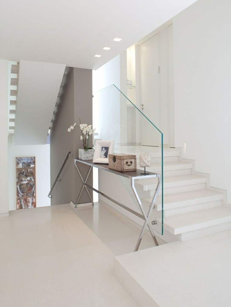 diseño blanco escalera led cristal