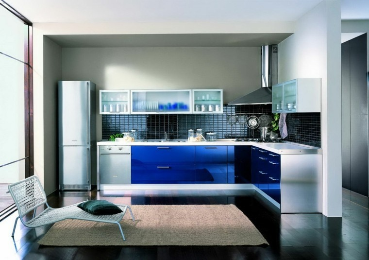diseño cocina color azul electrico