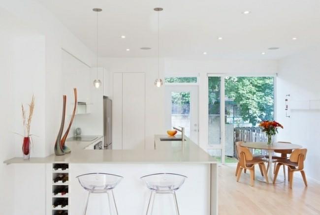 diseño cocina moderna blanca sillas