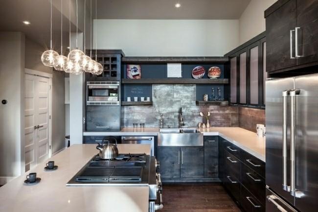 diseño cocina pequeña moderna acero