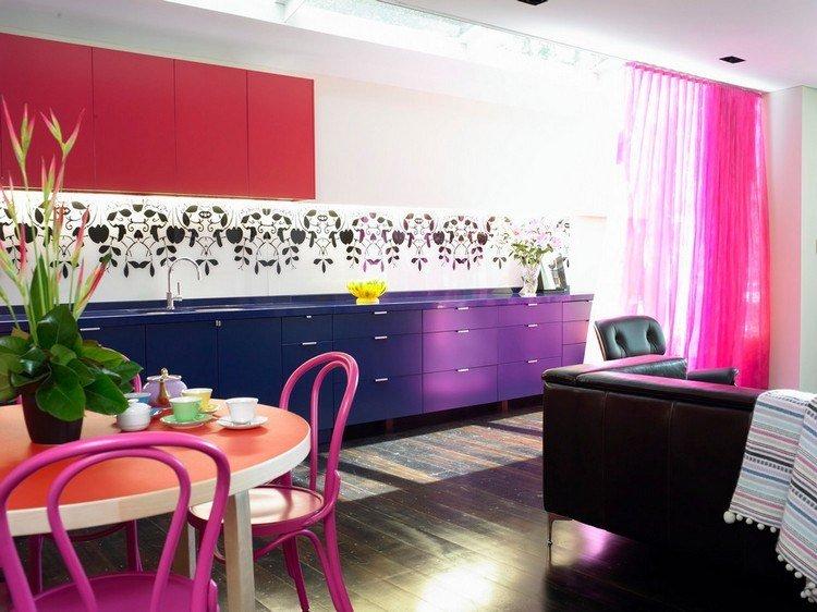 diseño cocina color rosa morado