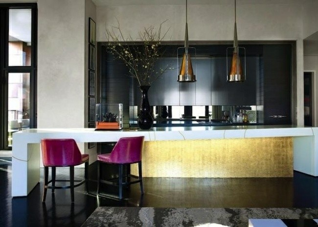 diseño cocina sillas rosas