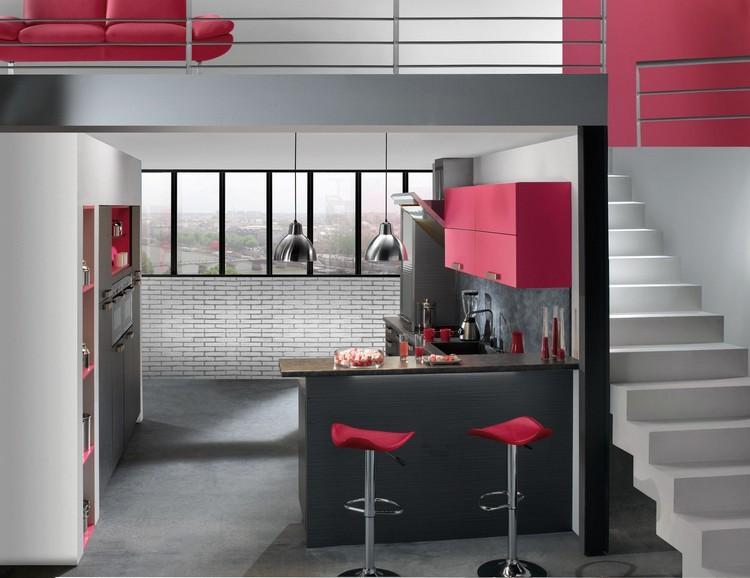 diseño cocina gris y rojo