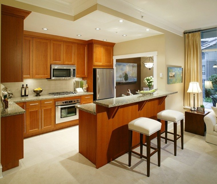 Color blanco y madera de roble para las cocinas modernas