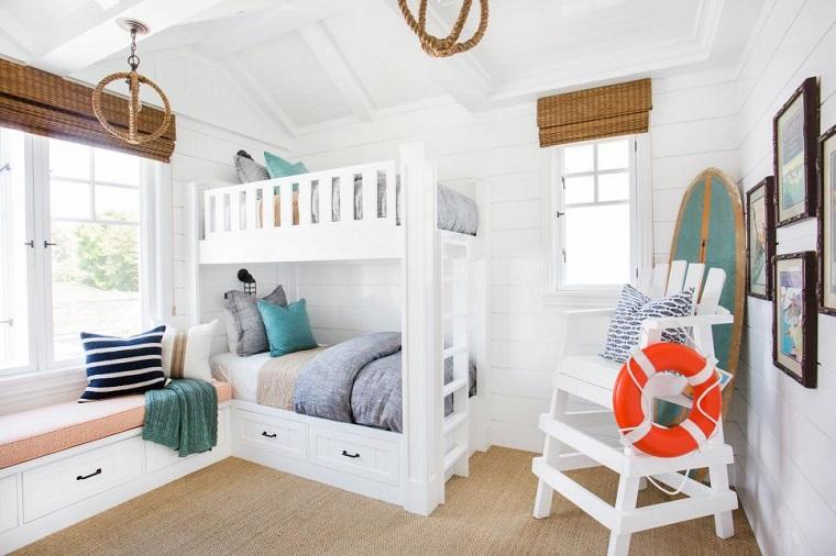 dormitorio chicas dos camas blanco tabla surf esquina ideas