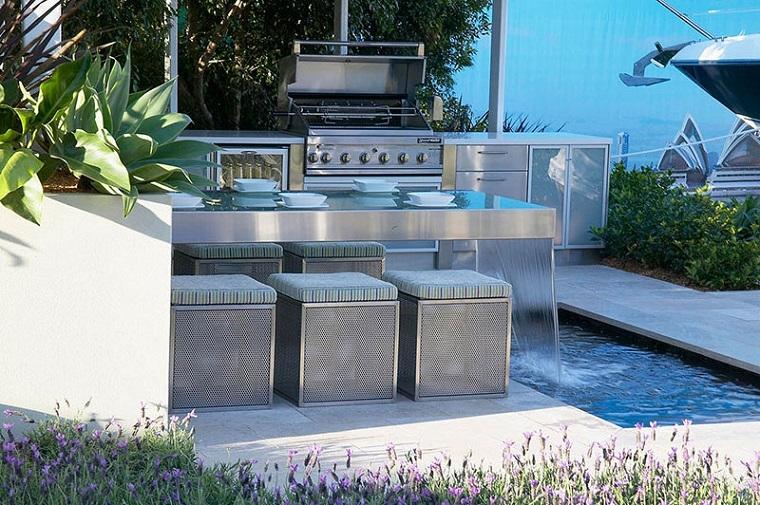el refugio perfecto verano cocina exterior caida agua ideas
