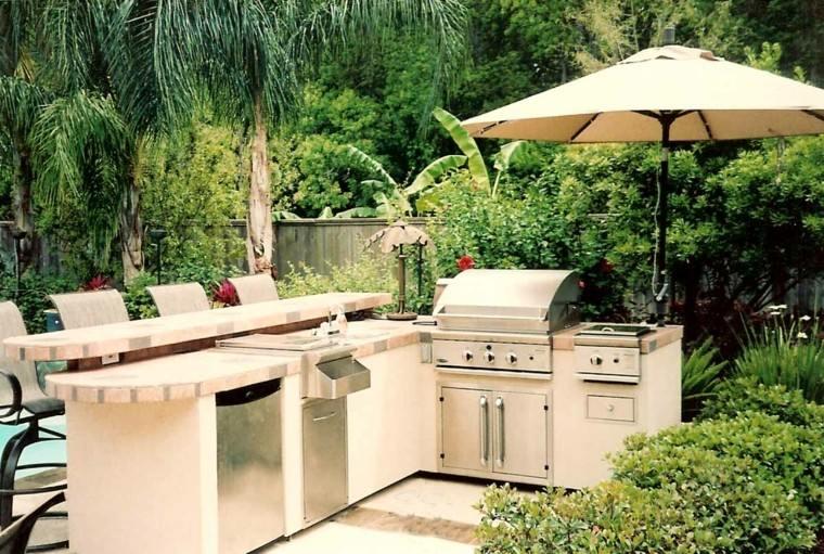 el refugio perfecto verano cocina exterior pergola barra ideas