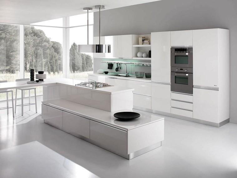 elegante cocina italiana vidrio led