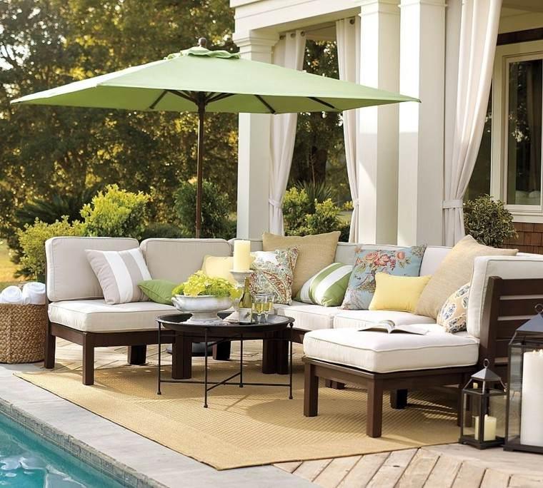 elegante comodo espacio patio piscina