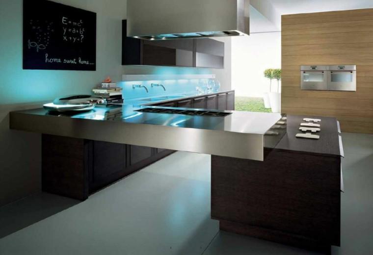 encimera cocina acero luces azules