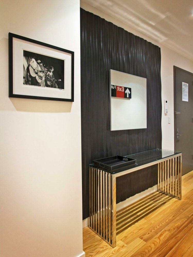 entrada con suelo parquet madera