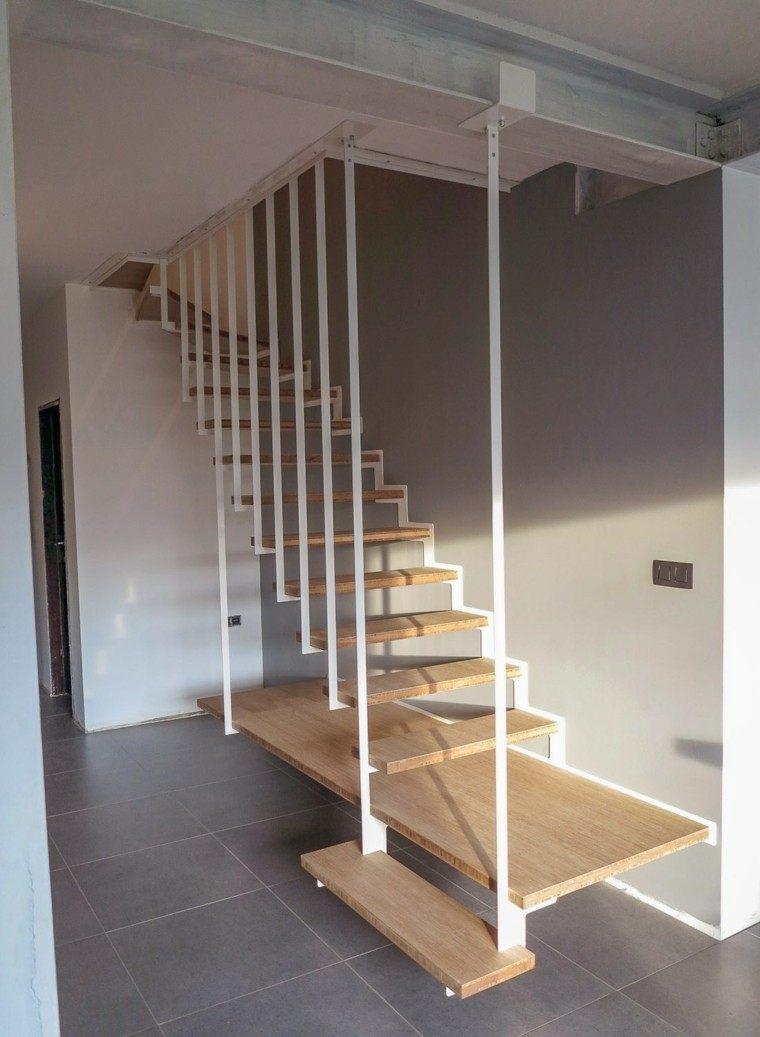 escalera colgante plataforma madera flotante